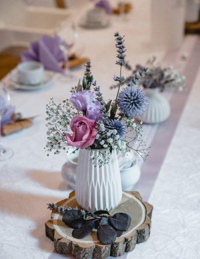 Hochzeitsdekorationen - weiße Tischvasen