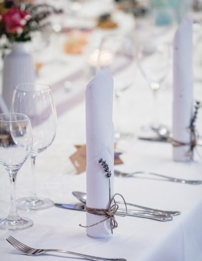 Hochzeitsdekorationen - Stoffservietten mit Lavendel