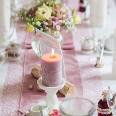 Holzkerzenständer zur Hochzeitsdekoration