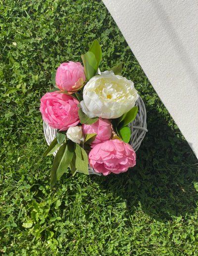 Blumendekoration zur freien Trauung