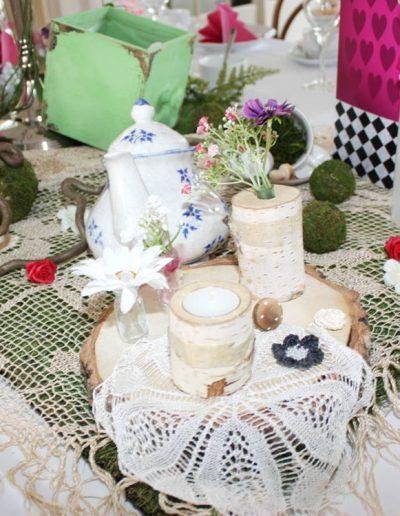 Bezaubernde Hochzeitsdekoration für Mottohochzeit von FeinDesign Hochzeitsdekoration