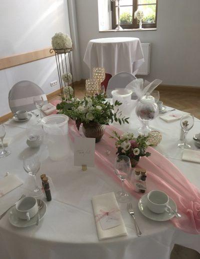 Tischdekoration in Rosa von FeinDesign Hochzeitsdekoration